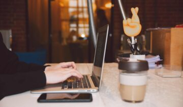 what does a virtual assistant do?